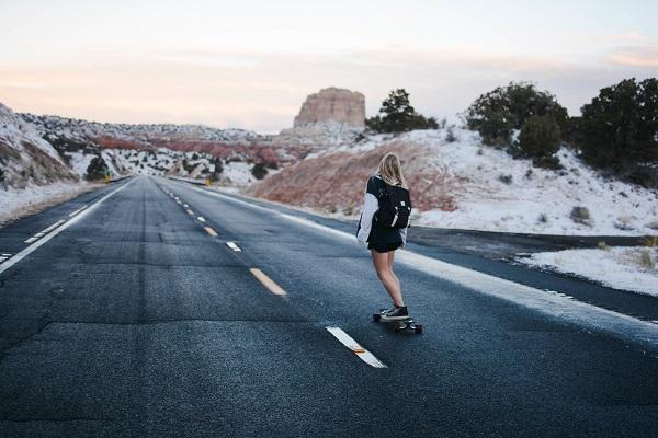 Ook skateboarden naar werk doen steeds meer mensen