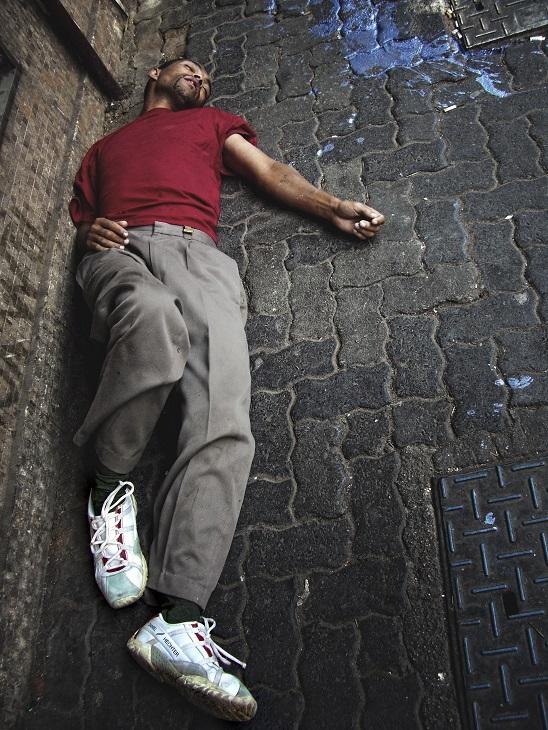 Als we de wet rond dronkenschap en de openbare weg echt naleven, kun je beter in de steeg achter de kroeg je roes uitslapen